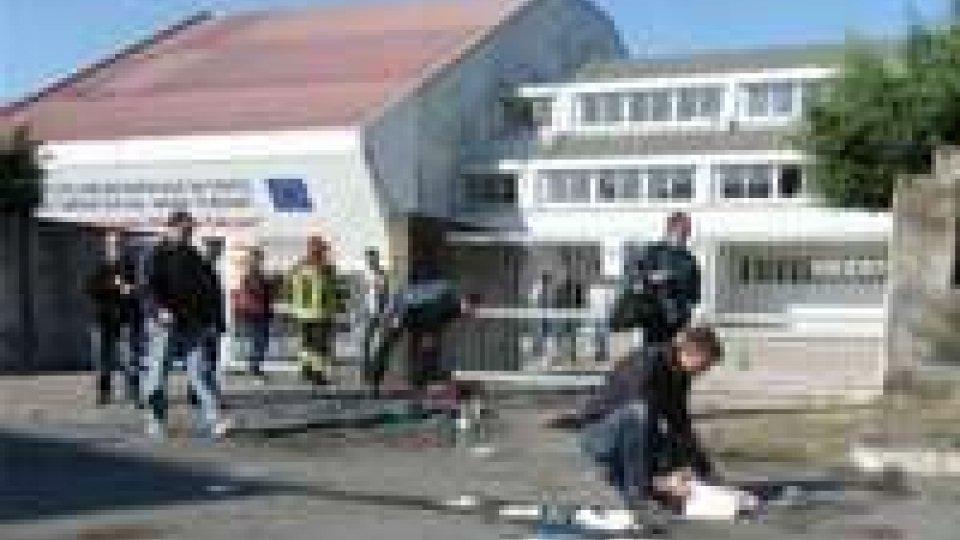 Brindisi, attentato contro scuola Falcone Morvillo. Morta studentessa, sei ragazzi graviAttentato Brindisi: l'intervista al Sindaco