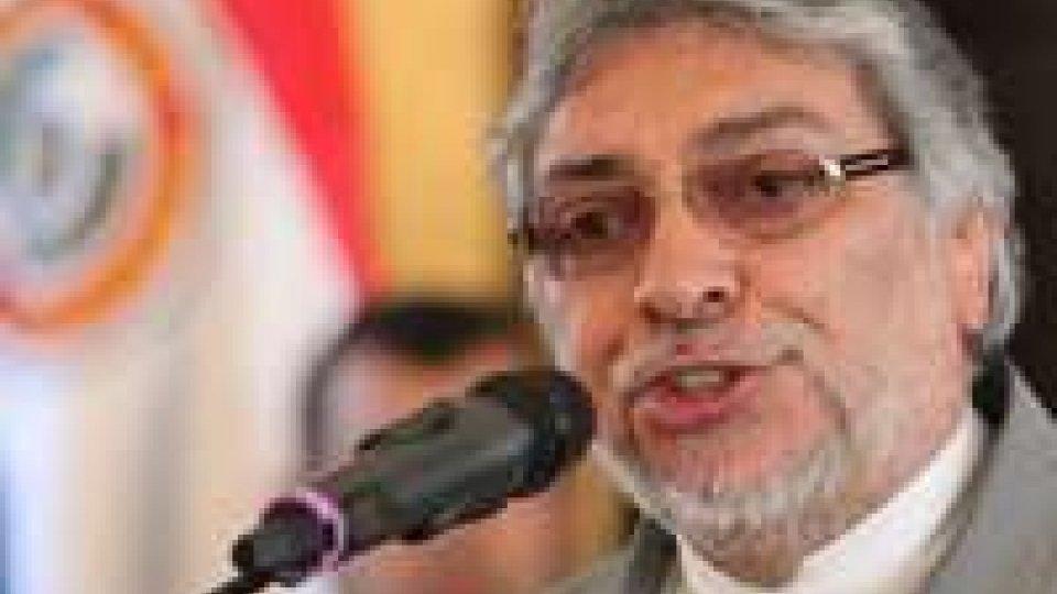 Paraguay. Destituito il presidente Lugo: accusato della morte di 17 persone