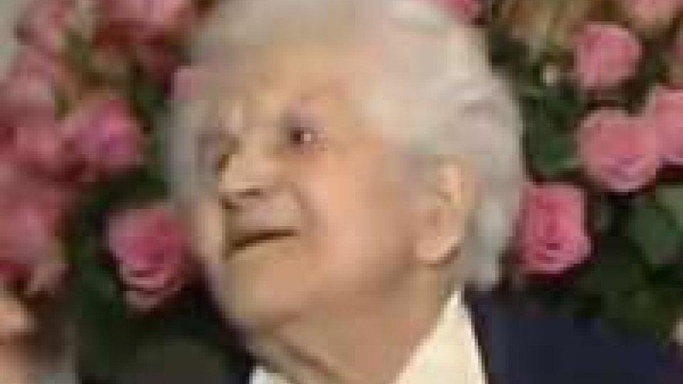 La signora Angela Conti spegne 100 candelineLa signora Angela Conti spegne 100 candeline