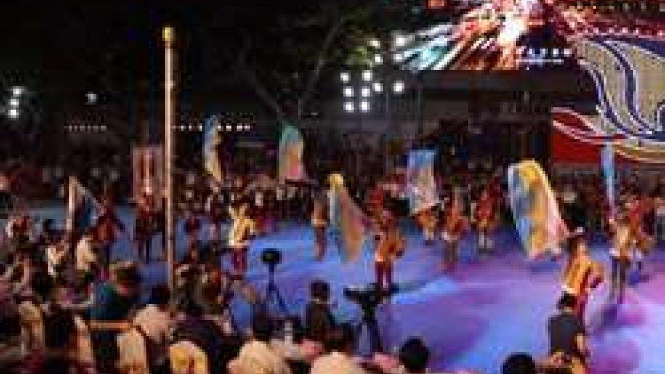 L'esibizioneL'esibizione dei balestrieri a Shanghai: un'occasione  di promozione per San Marino