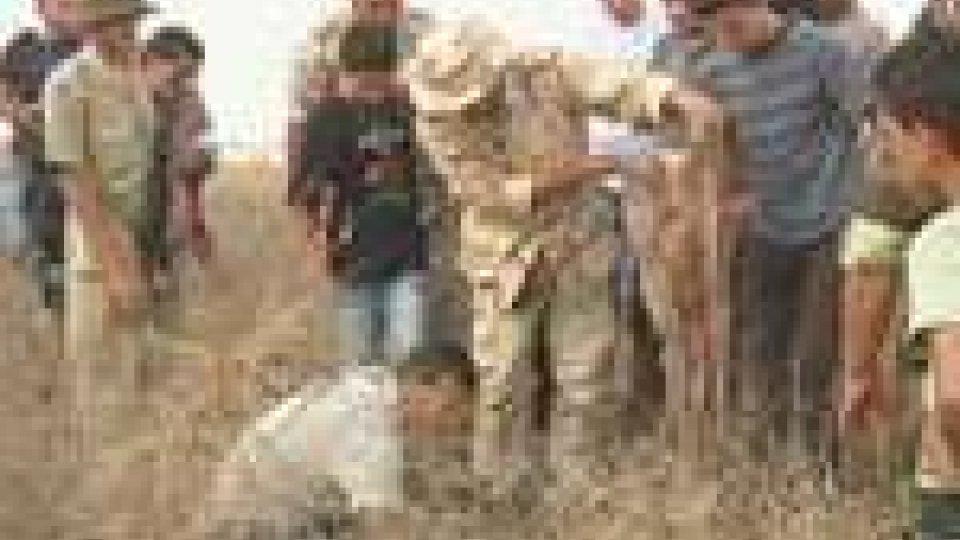 Libia: trovata una fossa comune con 1200 cadaveri