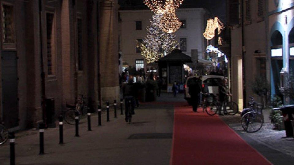 Le luminarie RiminiRimini: anche i negozianti non italiani hanno contribuito alle luminarie del Natale