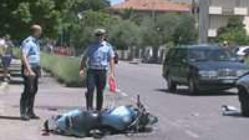 Villa Verucchio: brutto incidente, ferita una donna in sella ad una motoVilla Verucchio: brutto incidente, ferita una donna in sella ad una moto