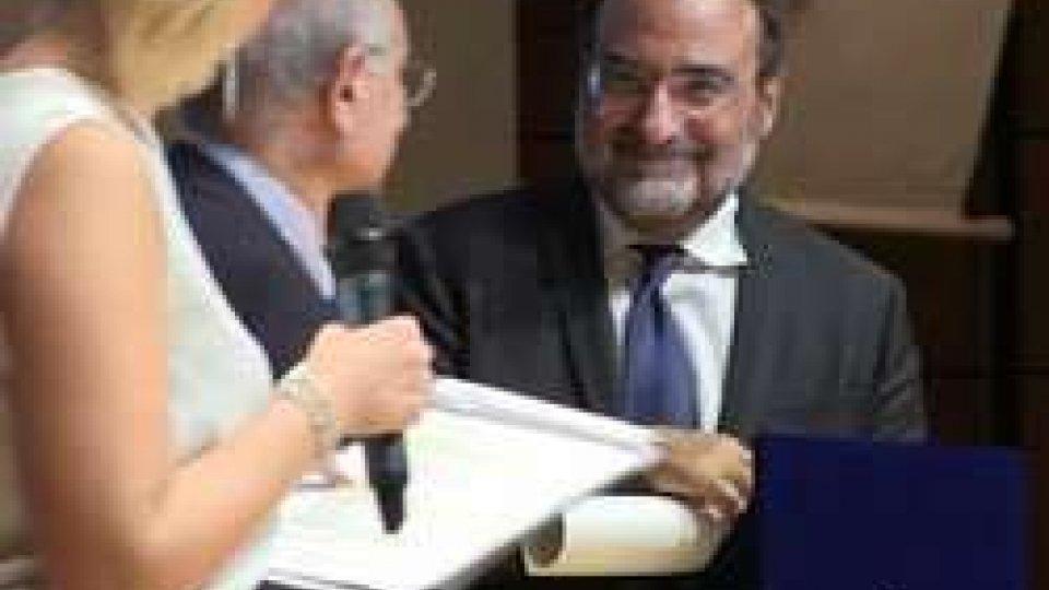 Dg Carlo Romeo premiato a Milano per il suo impegno a favore del socialeIl Dg di Rtv Carlo Romeo premiato a Milano per il suo impegno a favore del sociale