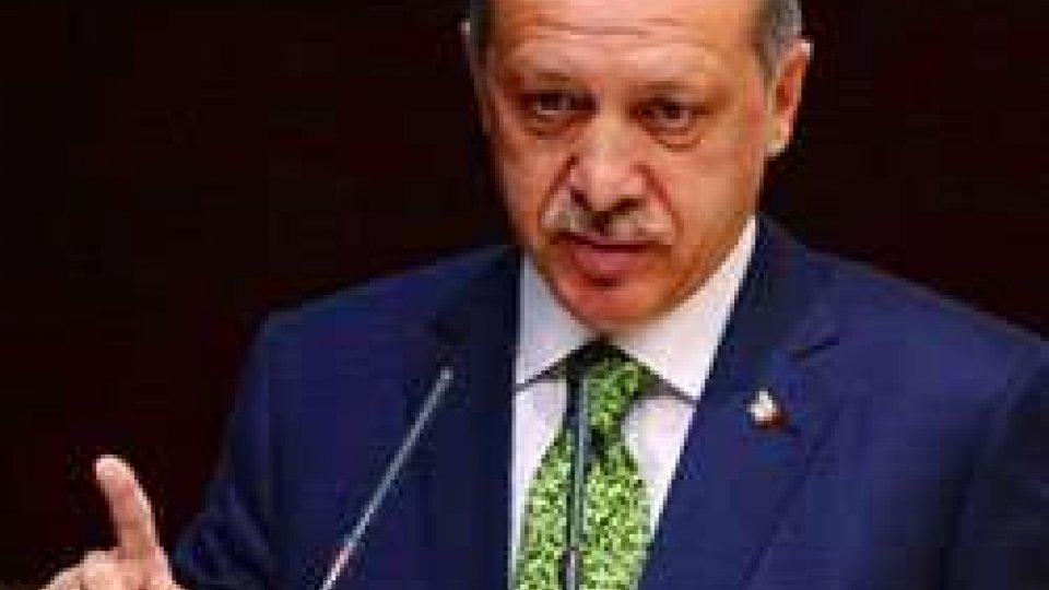 ISIS: ancora accuse alla Turchia per il traffico di petrolioISIS: ancora accuse alla Turchia per il traffico di petrolio
