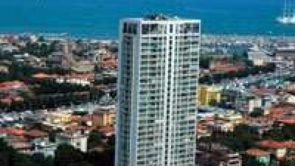 Extracomunitari: blitz al grattacielo di Rimini