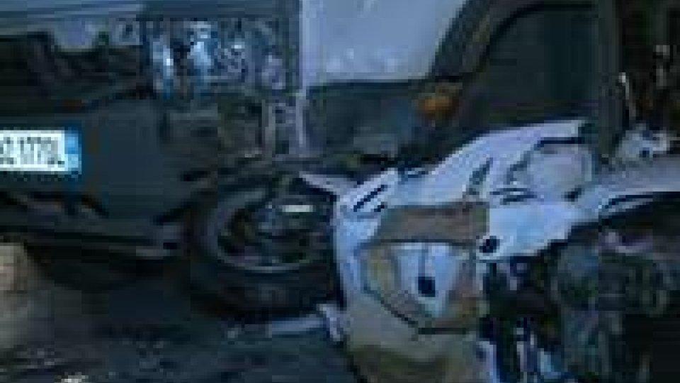 Incidente a San Giovanni in Marignano, mancata precedenza: grave ragazza 25enne