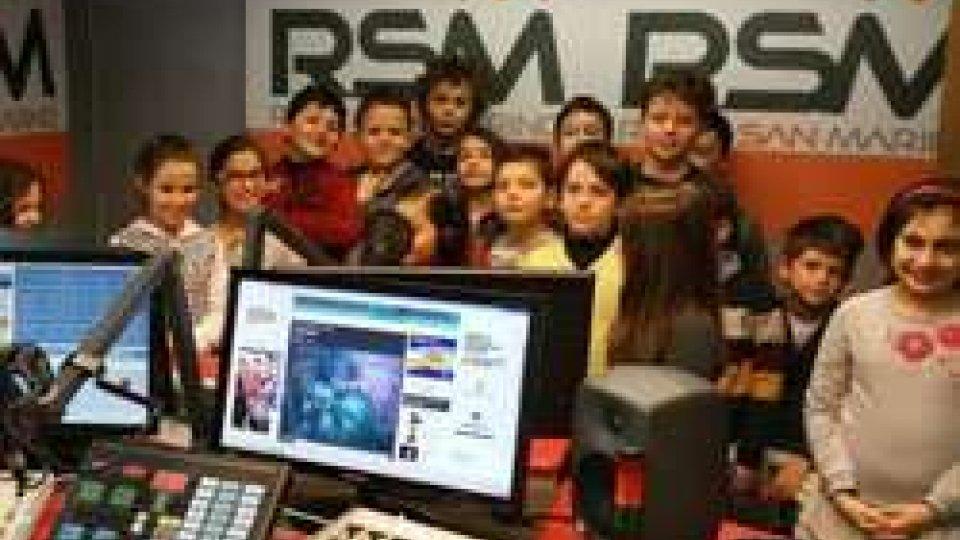 Gli alunni a RtvA scuola di RTV