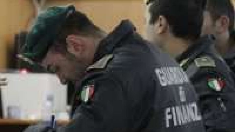 Finanza: blitz nelle sedi di 41 societàMaxi blitz: caos tra Serie A, B e Lega Pro