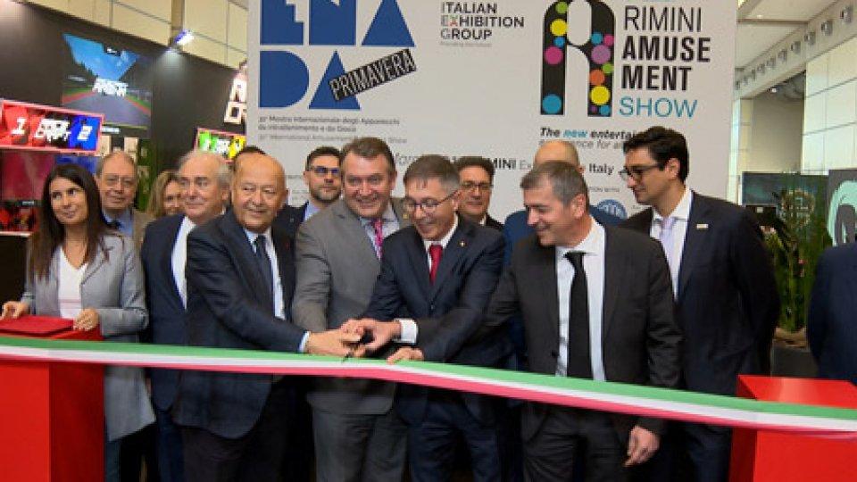 taglio del nastroEnada Primavera: a Rimini la 31° fiera del gioco