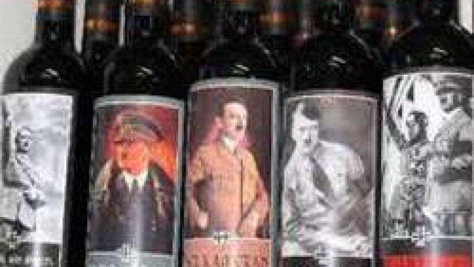 Souvenir fascisti: proposta di legge per abolirla
