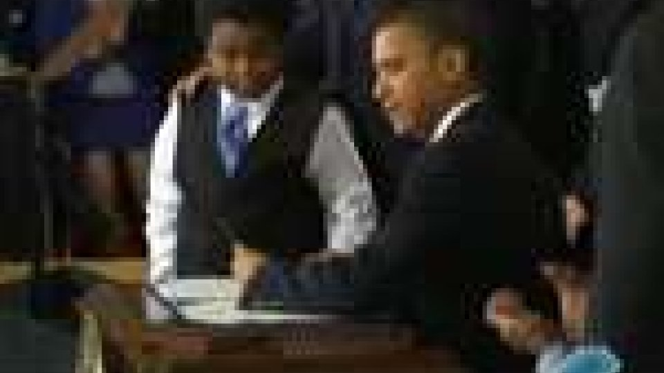 Il presidente Obama firma la nuova legge sulla sanità pubblicaIl presidente Obama firma la nuova legge sulla sanità pubblica