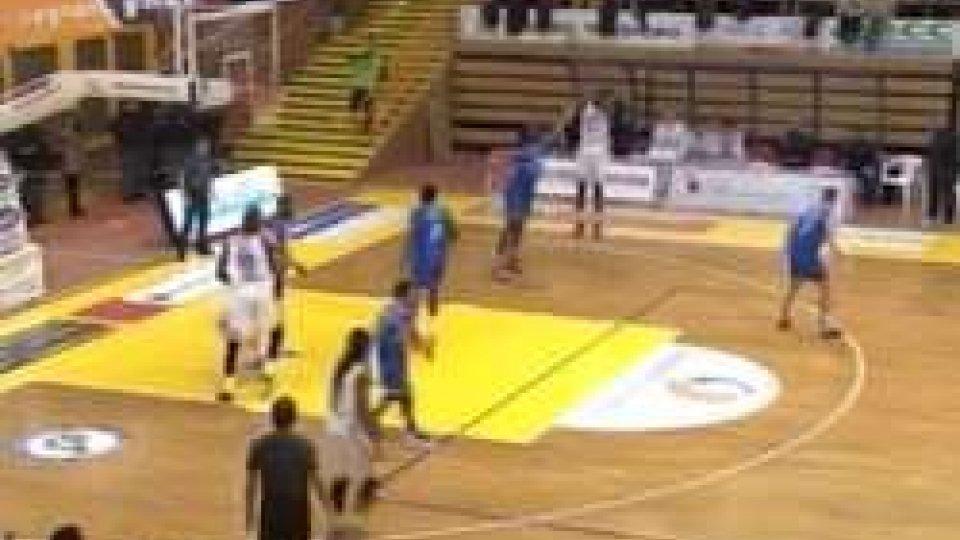 Brindisi batte Pesaro a San SeveroBasket: Brindisi batte Pesaro a San Severo