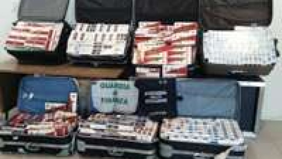 Sequestro record di sigarette al Marconi di Bologna