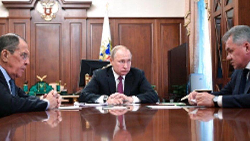 Vladimir Putin, Sergey Lavrov, Sergei Shoigu (rainews)Trattato antimissili INF: anche Mosca sospende l'accordo