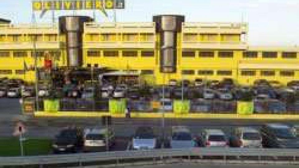 """Misano Adriatico: arresta donna serba per furto all'interno dei magazzini """"Oliviero"""""""