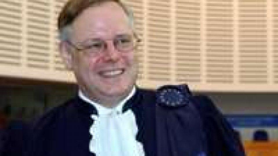 La prestigiosa carriera del Presidente Spielmann, oratore ufficiale in occasione dell'investitura dei nuovi Reggenti