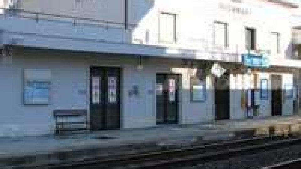 Miramare: si toglie la vita buttandosi sui binari del regionale Ancona-Piacenza