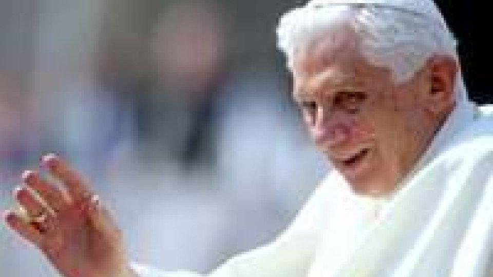 """Sede vacante, Benedetto XVI: """"Ora sono solo un pellegrino"""""""