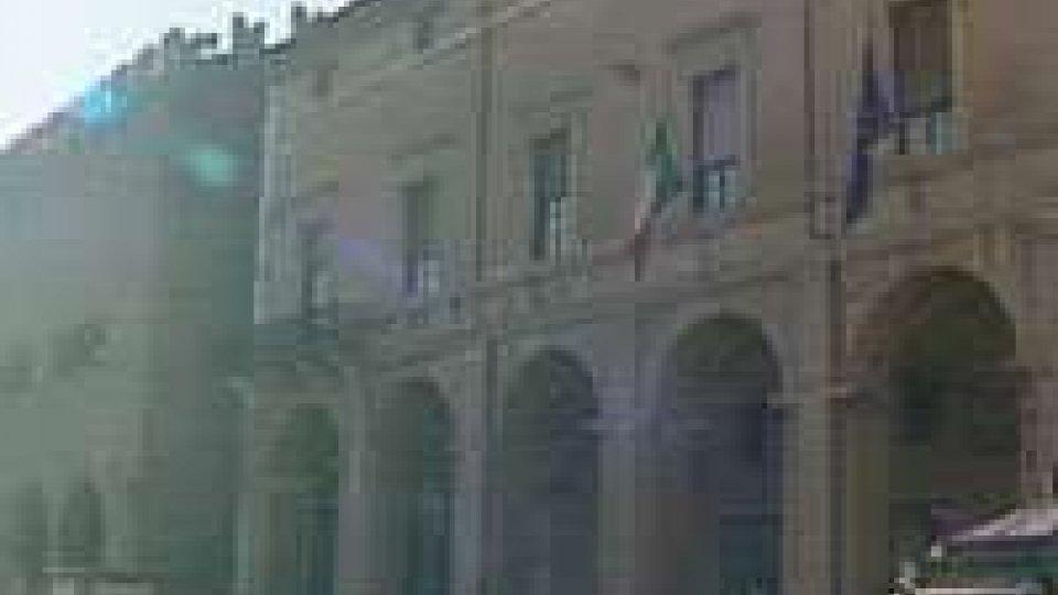 Capo gabinetto senza laurea, condannati i vertici comune RiminiCapo gabinetto senza laurea, condannati i vertici del comune di Rimini