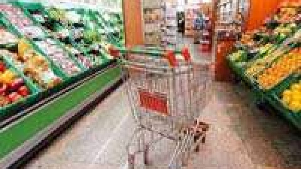 Confcommercio: consumi in calo a gennaio, si torna al 2004