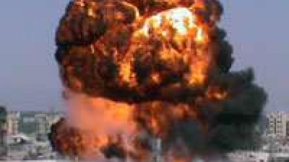 Siria. Autobomba a Damasco: 11 morti