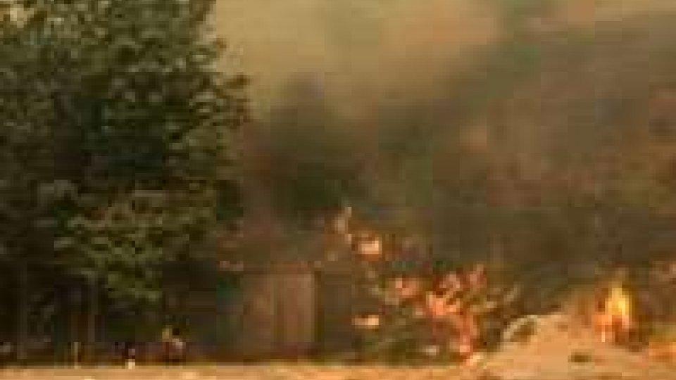 Spagna, non ancora domato l'incendio: 65 km in fumo
