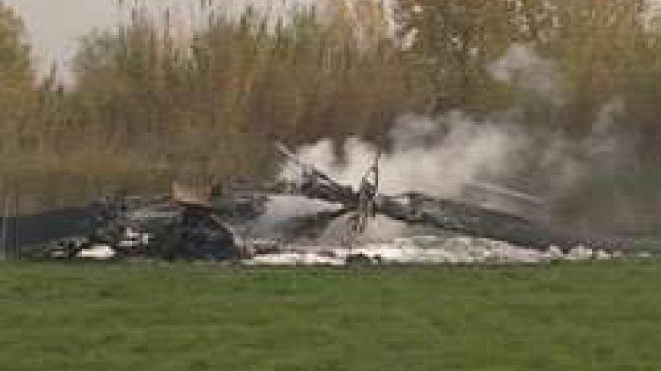 Precipitato elicottero militare a Poggio TorrianaElicottero militare precipita a Poggio Torriana