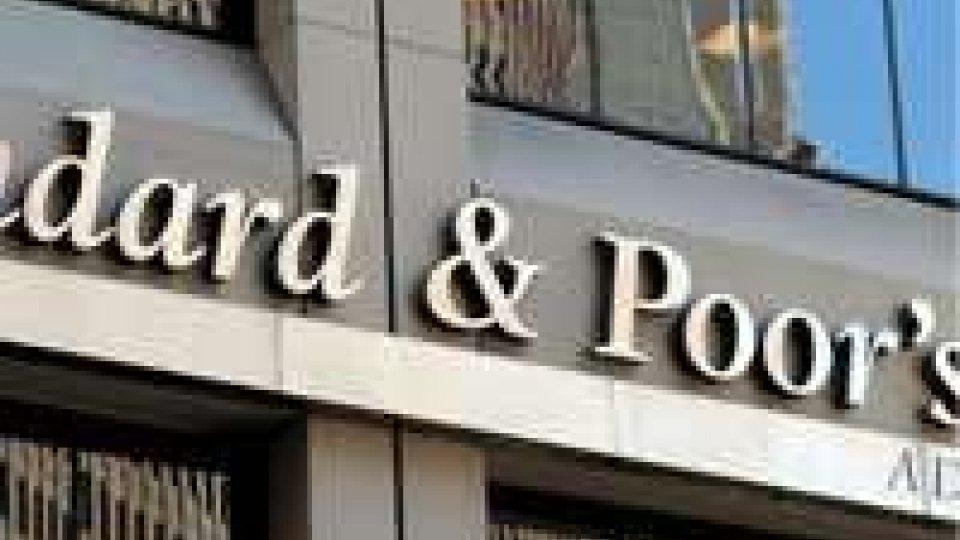 Standard & Poor's taglia rating della Spagna a BBB-