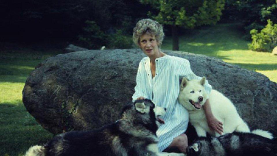 Marella Agnelli in una foto dal libro 'Il mio giardino'