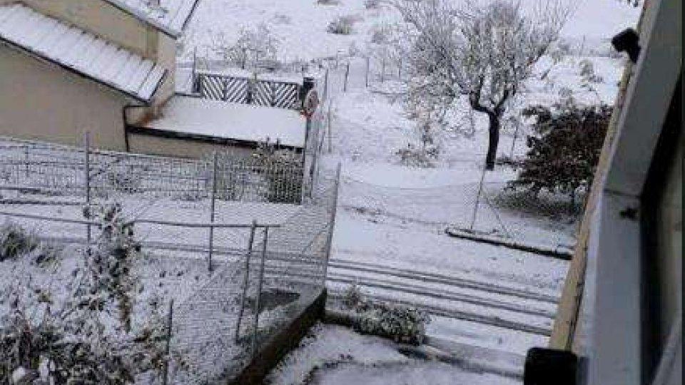San Marino - Due giorni di neve record: lavoro senza sosta per i mezzi rottaneve