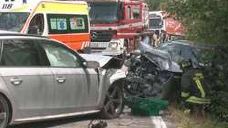 scontro a Sant' AquilinaSant'Aquilina: scontro frontale tra due auto
