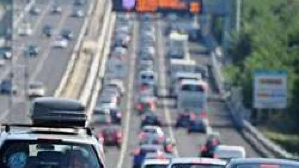 Traffico intenso per il ponte di Ferragosto
