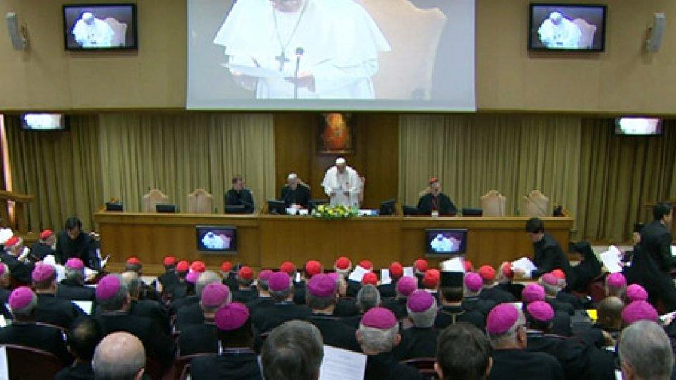 """Convegno dedicato alla protezione dei minori nella ChiesaAbusi sessuali sui minori, Papa Francesco chiede """"misure concrete, non semplici condanne"""""""