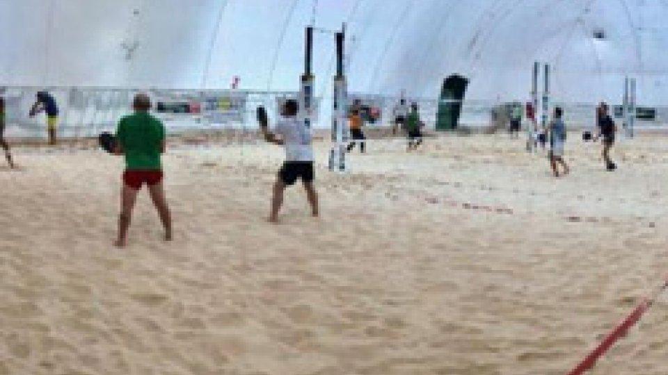 Matteo Zannoni e Bruno Bazzocchi trionfano nel 19° campionato di beach tennis sui campi del Tennis Viserba