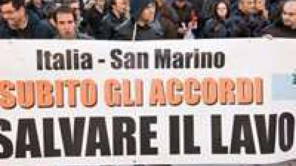 Davanti all'Ariston anche i frontalieri italiani a San Marino