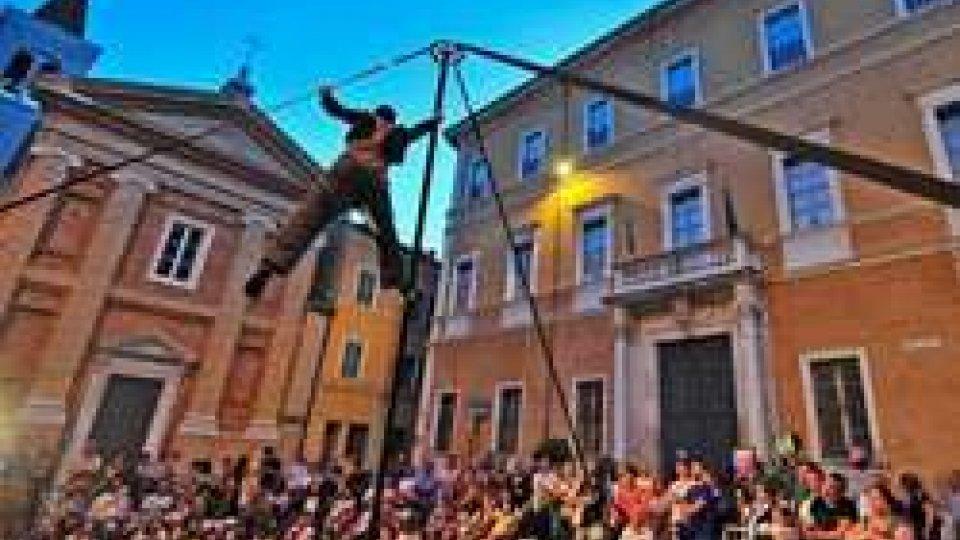 """1/2 Notte Bianca dei Bambini"" a Pesaro: in 50mila per l'edizione ""Play"""
