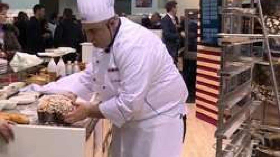 La colomba pasqualePasqua: gli italiani sembrano orientati a trascorrerlo in casa