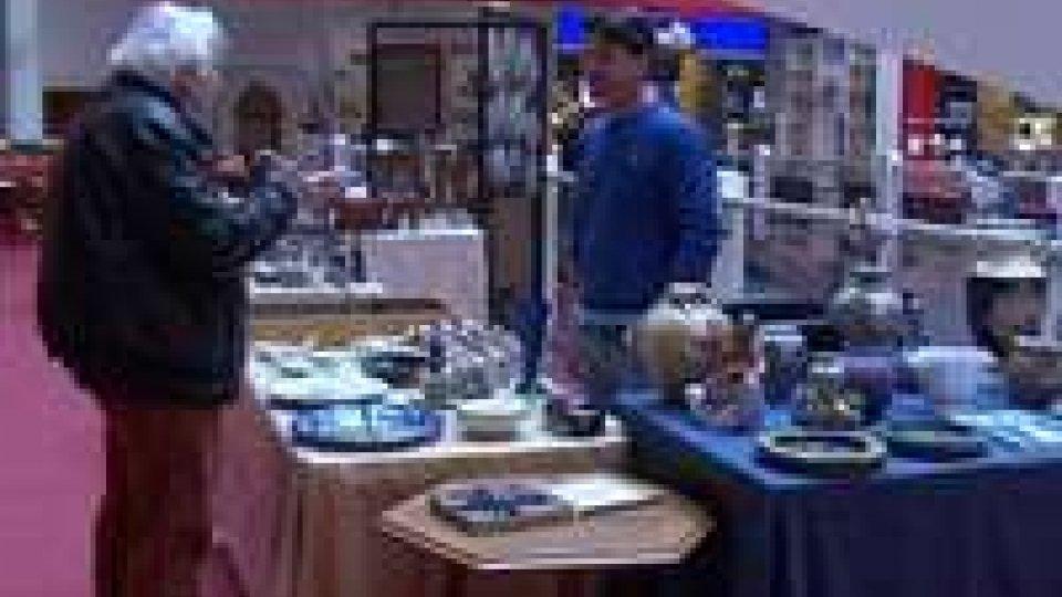 ANTIGH al Centro commerciale Azzurro l'antiquariato in mostra