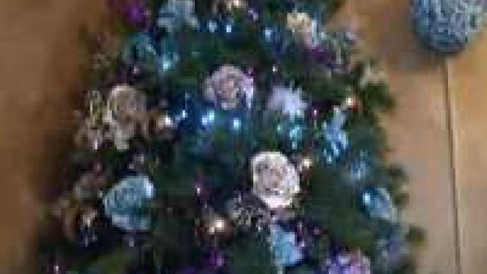 Natale: crisi, i commercianti e le vetrine fai da te