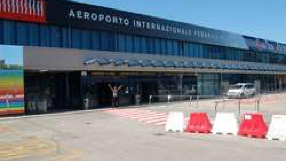 """aeroporto FelliniGuerra dei cieli, Airiminum: """"Concorrenza sleale"""". Aerdorica: """"Nessuna concorrenza, è aiuto al risanamento"""""""