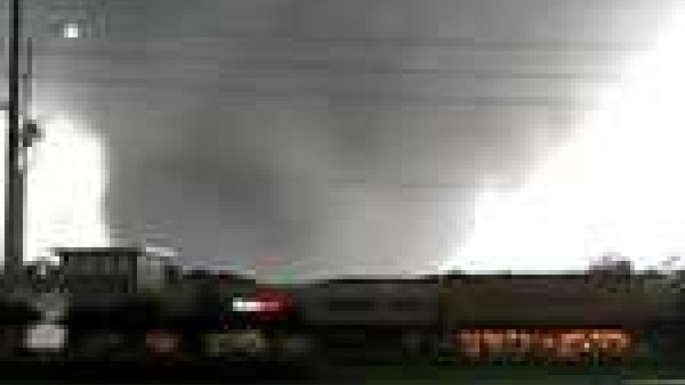 Stati Uniti, tornado: 27 vittime