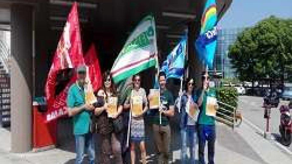 Manifestazione dei dipendenti Coop Alleanza 3.0 senza contratto da 4 anni