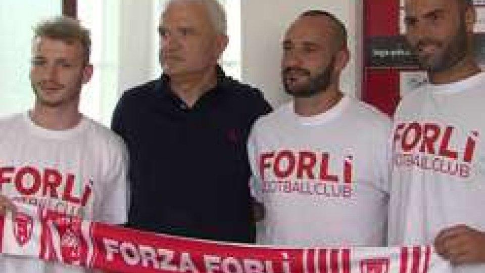 Presentati Luzzi, Graziani e MarchettiSerie D : Tripletta per il Forlì; presentati Luzzi, Graziani e Marchetti