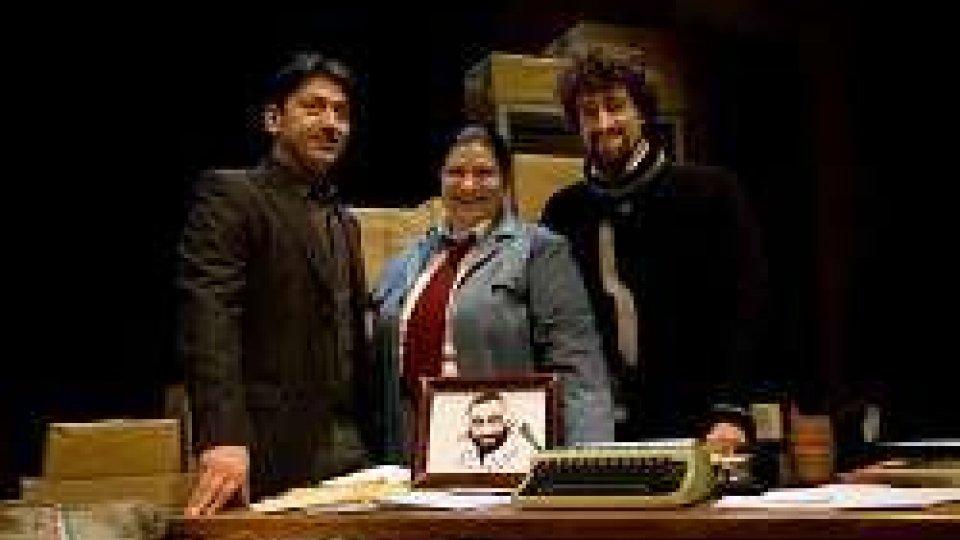 """Teatro, """"Caro Lucio Ti Scrivo"""" debutta al Duse di Bologna"""