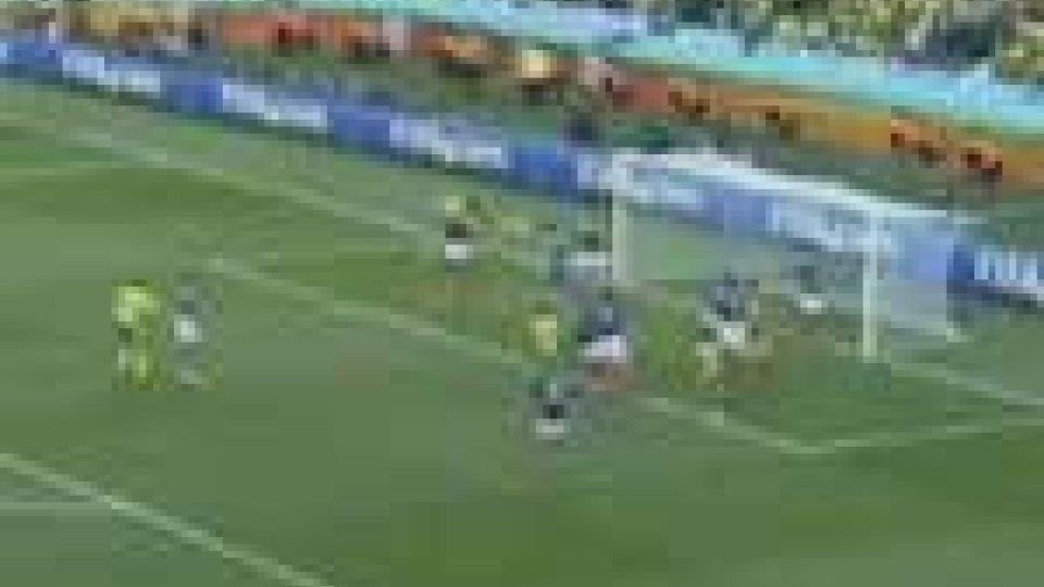 Mondiali. Il Sud Africa batte la Francia. Passano il turno Uruguay e Messico