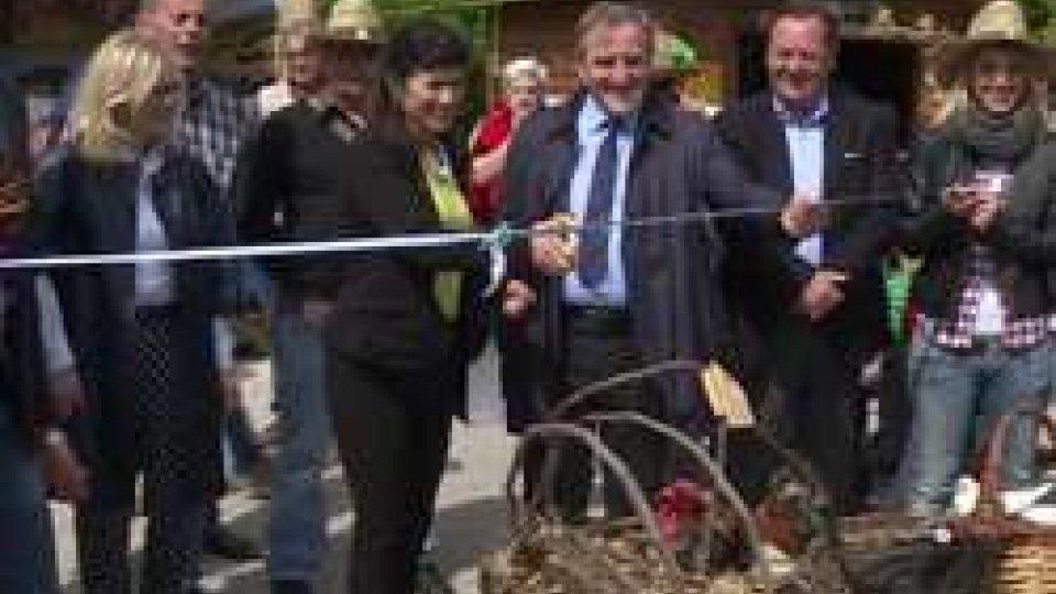 Taglio del NastroSan Marino: a Montecchio è iniziata la Fiera Agricola