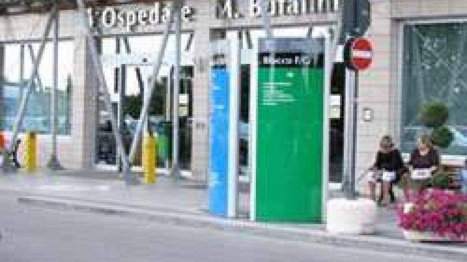 Riccione: 61enne cade da scooter, grave a Cesena