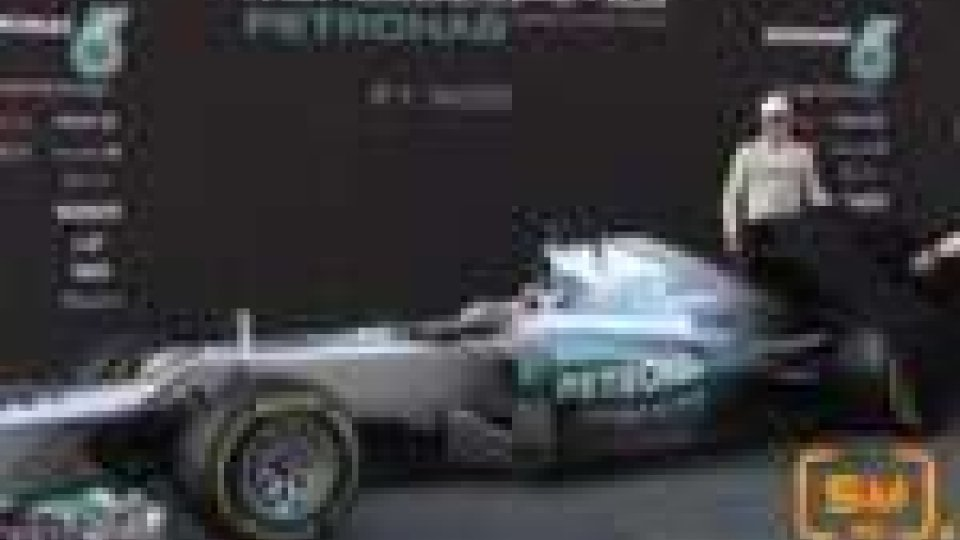Nella prima giornata di test in Spagna, presentata la nuova Mercedes