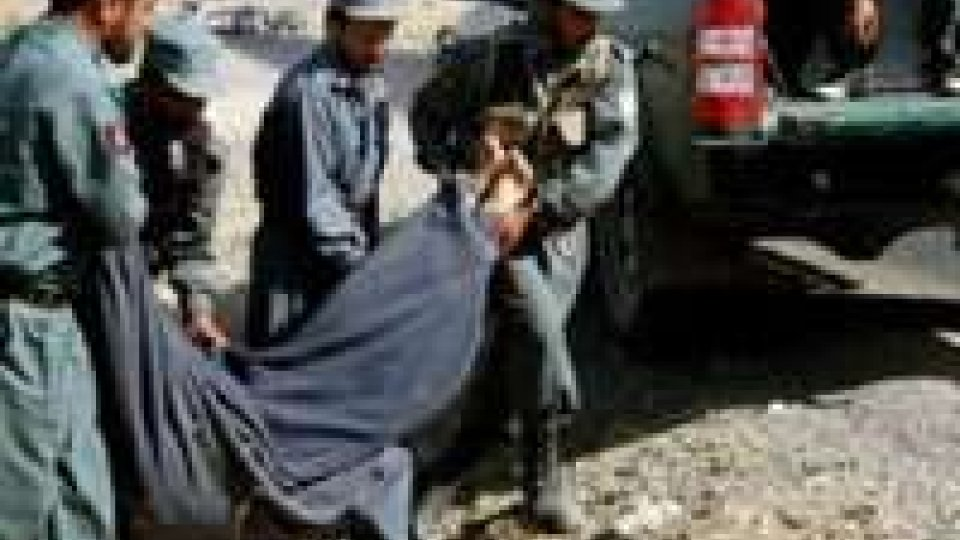 Afghanistan: due morti in attacco kamikaze.